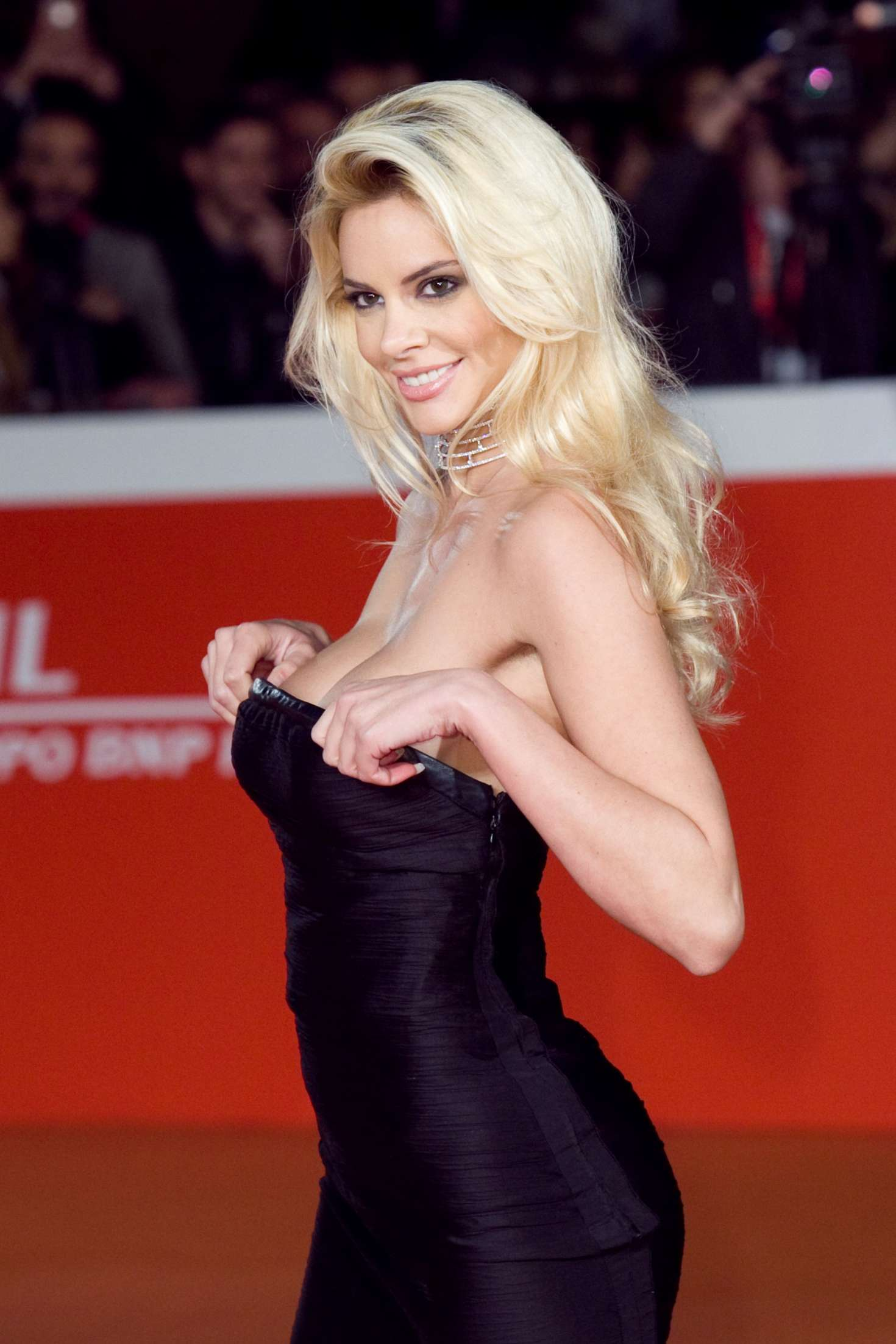 nudes (88 photos), Topless Celebrites photos