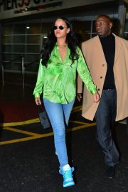 Rianna in Green Shirt and Jeans - Leaves a photoshoot in New York