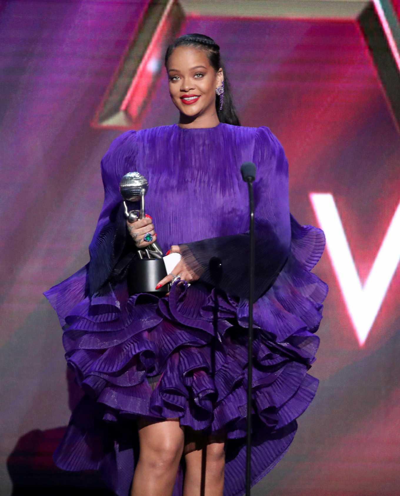 Rihanna 2020 : Rihanna – 2020 NAACP Image Awards in Pasadena-03