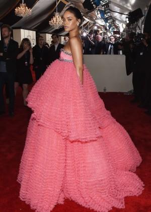 Rihanna: 2015 GRAMMY Awards -04