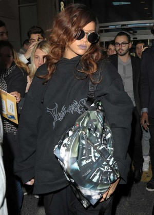 Rihanna - Arrives at Charles de Gaulle Airport in Paris