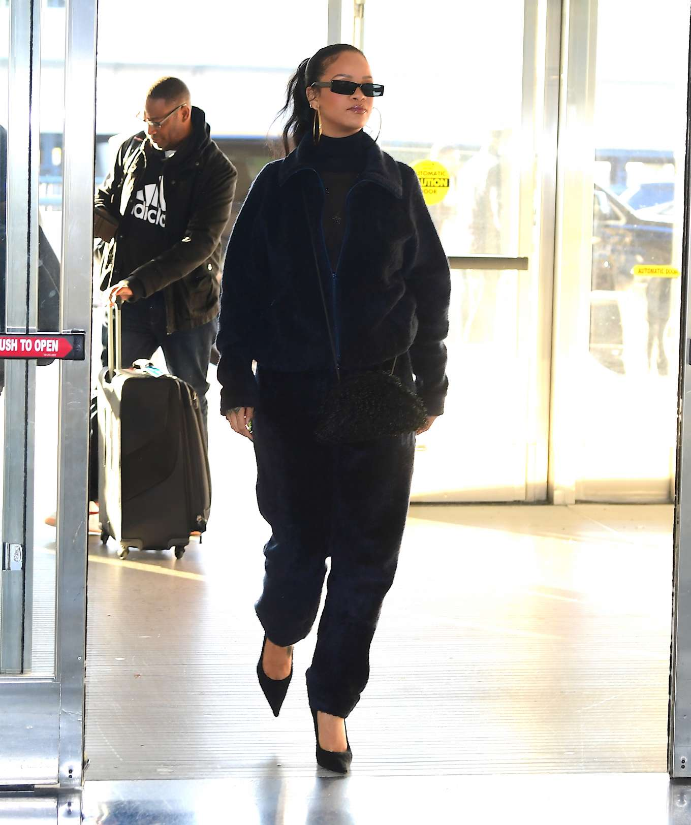 Rihanna 2019 : Rihanna – Arrives at JFK Airport in New York-27