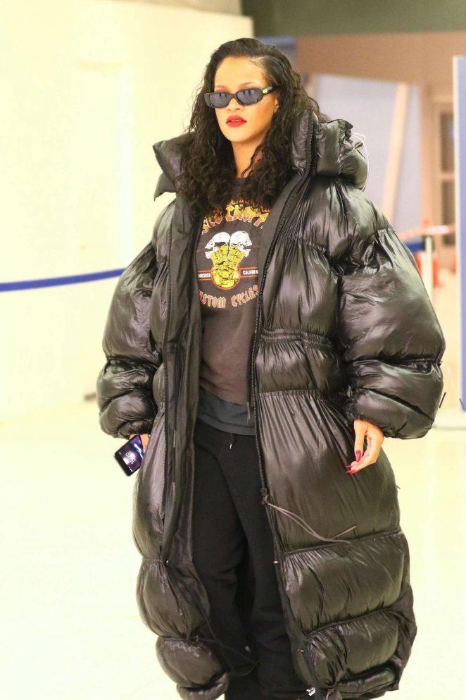 Rihanna - Arrives at JFK Airport in New York