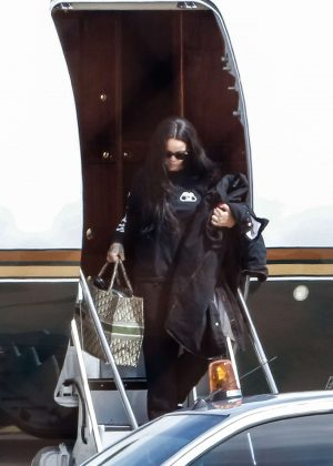 Rihanna - Arrives at the airport in Barbados