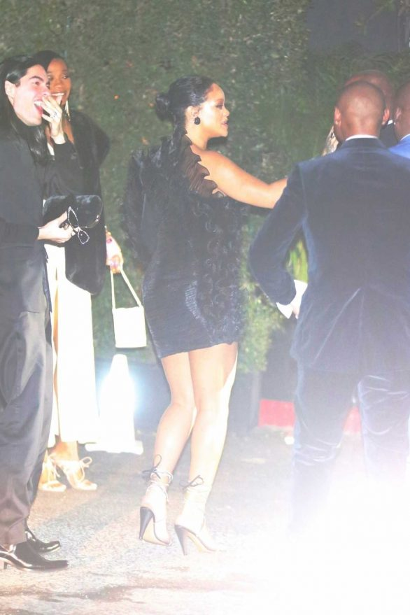 Rihanna - arrives at the Chateau Marmont for Jay-Z and Beyonce's Oscar Part in West Hollywood