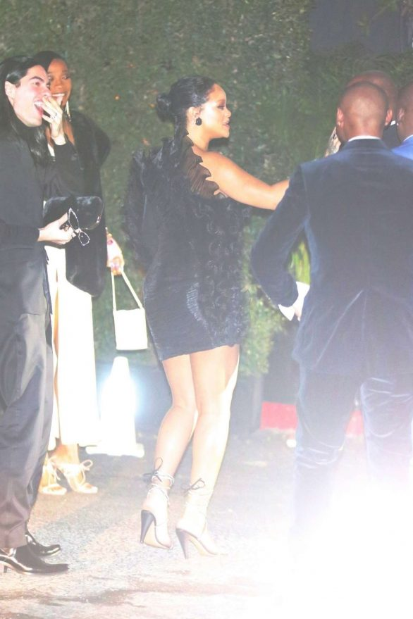 Rihanna - Arrives at the Chateau Marmont in West Hollywood