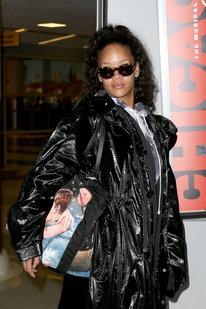 Rihanna Arrives to JFK Airport in NYC