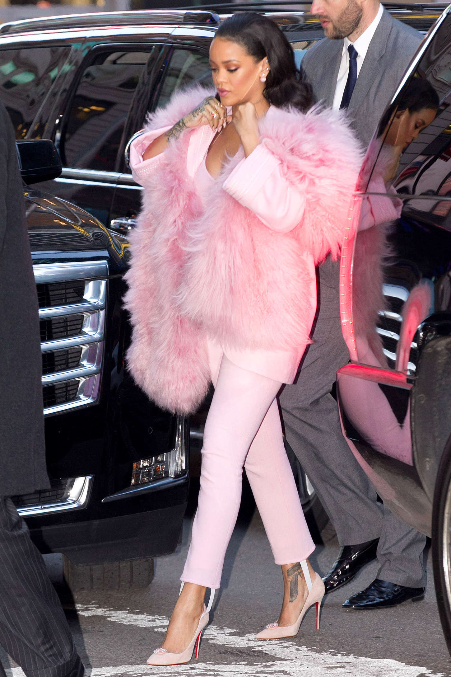 Rihanna in Pink at Good Morning America -10 - GotCeleb