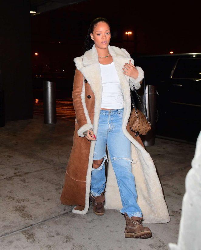 Rihanna at JFK Airport in NYC -02