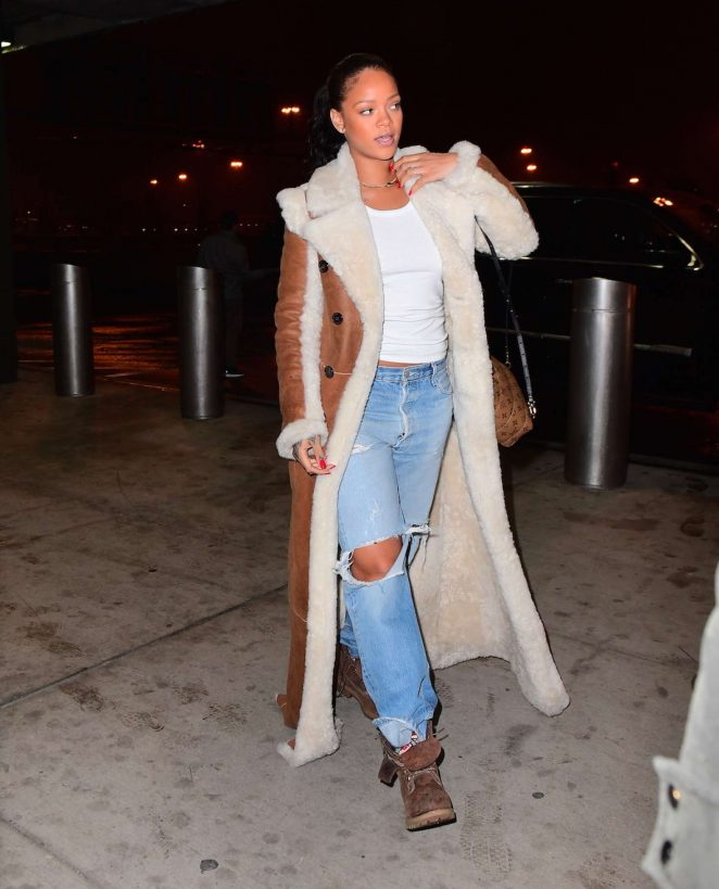 Rihanna at JFK Airport in NYC -08