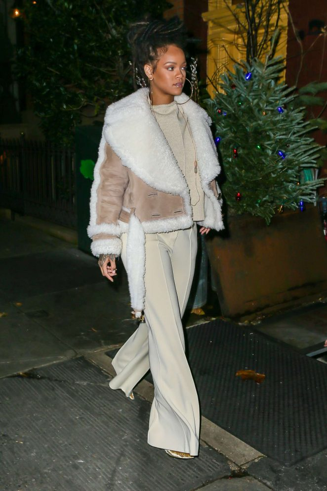 Rihanna at The Spotted Pig in Manhattan -09