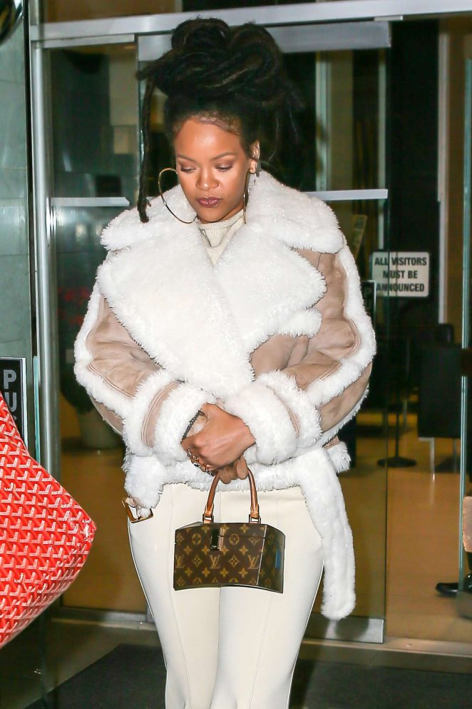 Rihanna at The Spotted Pig in Manhattan -19