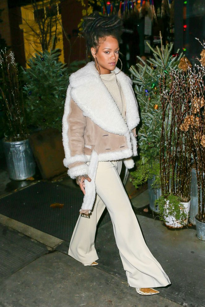 Rihanna at The Spotted Pig in Manhattan -22