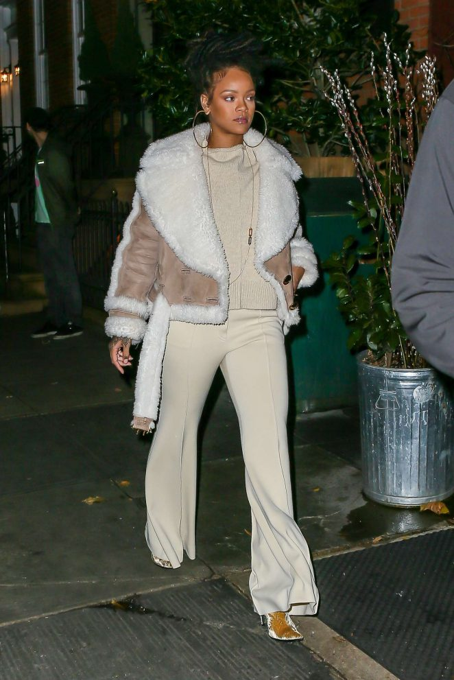 Rihanna at The Spotted Pig in Manhattan -24