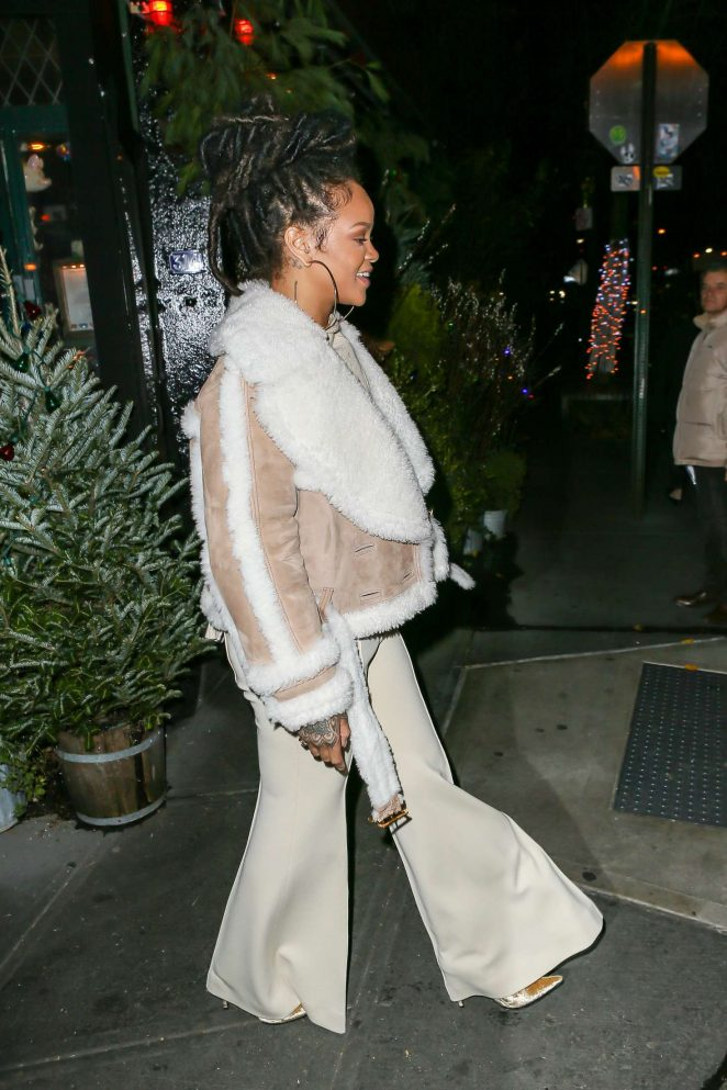 Rihanna at The Spotted Pig in Manhattan -33