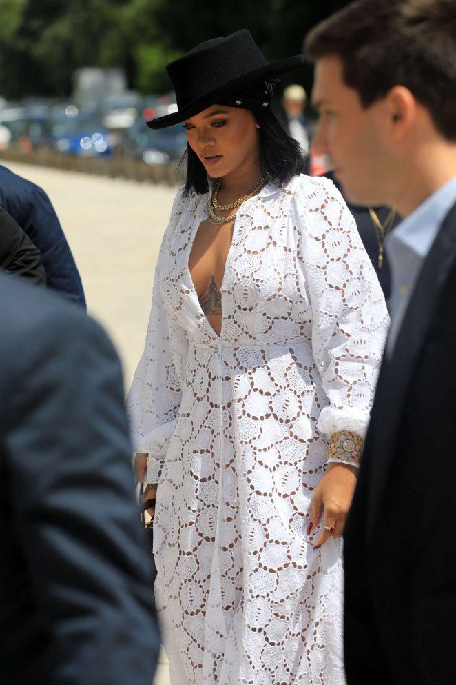 Rihanna archives gotceleb - Rihanna poids 2017 ...