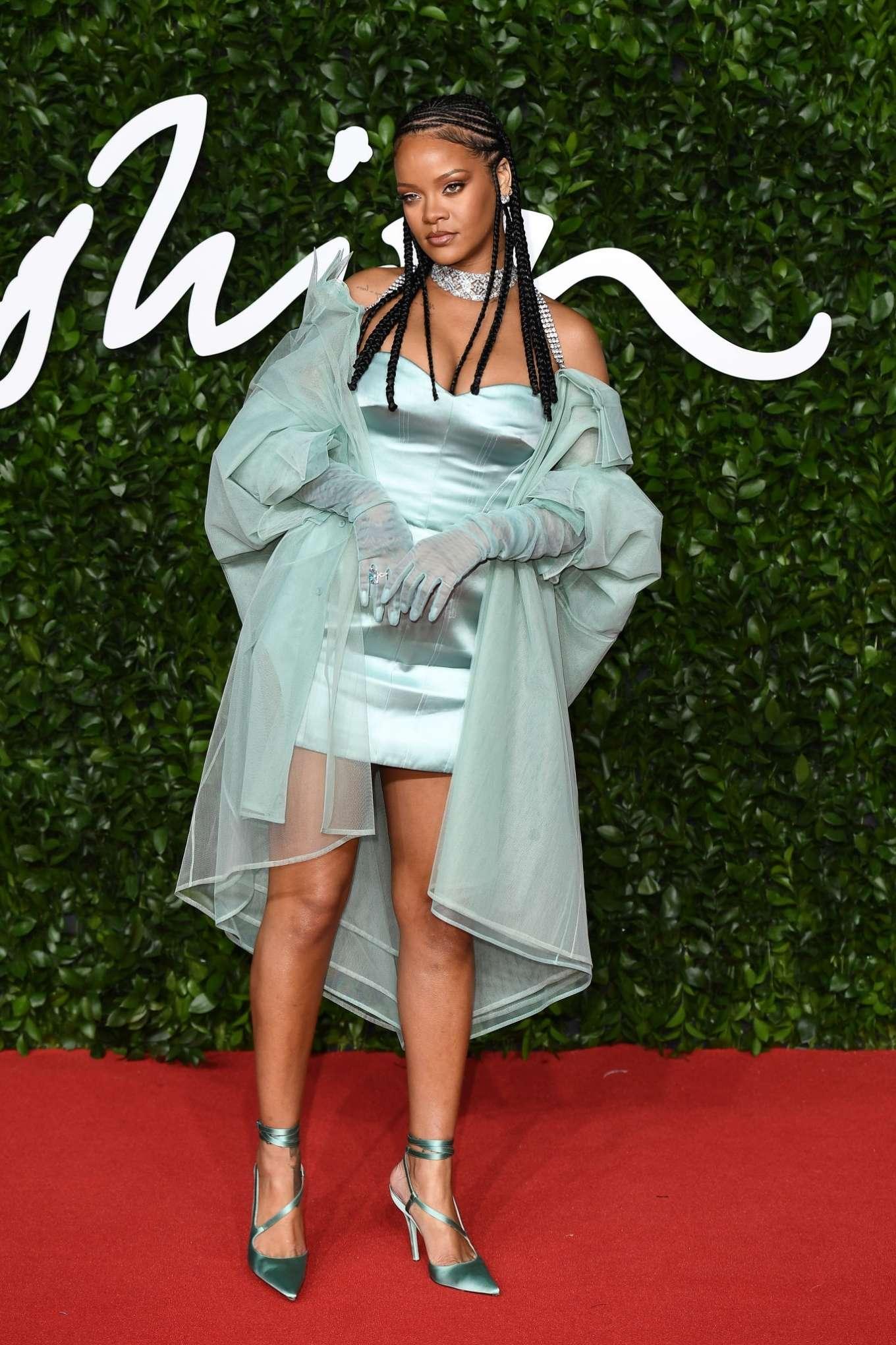 Rihanna 2019 : Rihanna – Fashion Awards 2019 in London-06