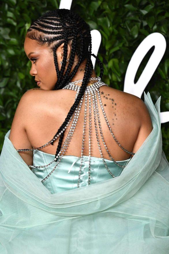 Rihanna 2019 : Rihanna – Fashion Awards 2019 in London-16