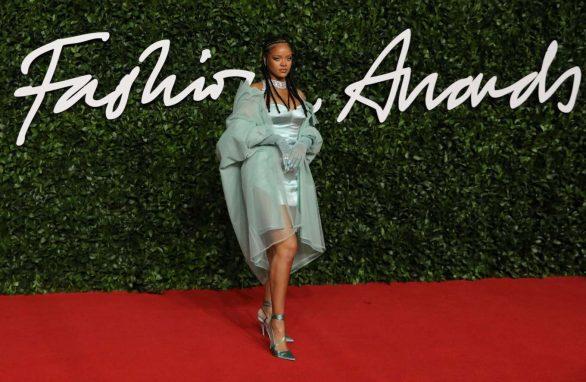 Rihanna 2019 : Rihanna – Fashion Awards 2019 in London-17