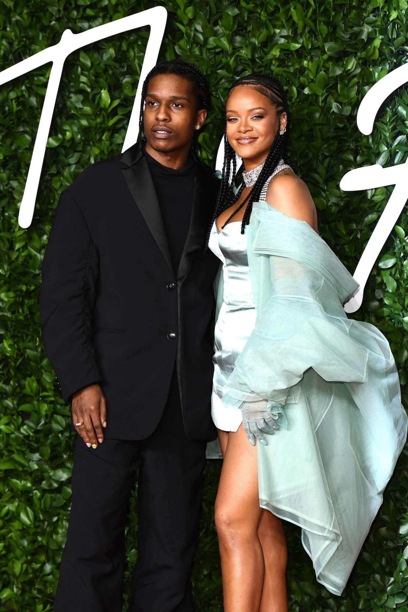 Rihanna 2019 : Rihanna – Fashion Awards 2019 in London-23