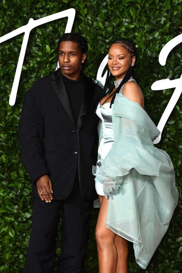 Rihanna 2019 : Rihanna – Fashion Awards 2019 in London-27