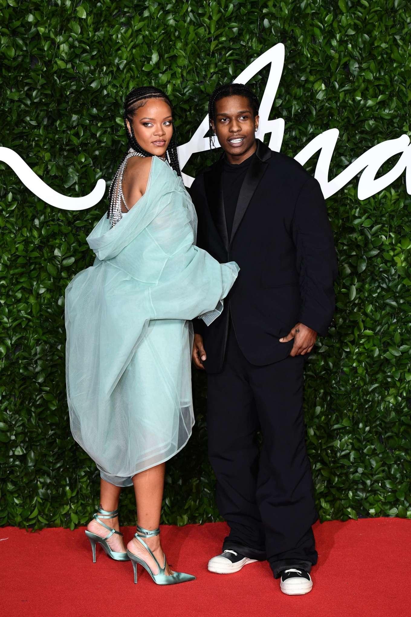 Rihanna 2019 : Rihanna – Fashion Awards 2019 in London-29