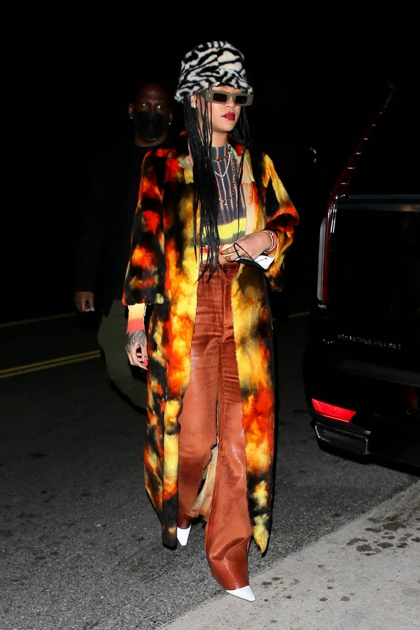 Rihanna - dinner with family at Giorgio Baldi in Santa Monica