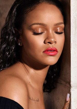 Rihanna - Fenty Beauty Mattemoiselle 2018