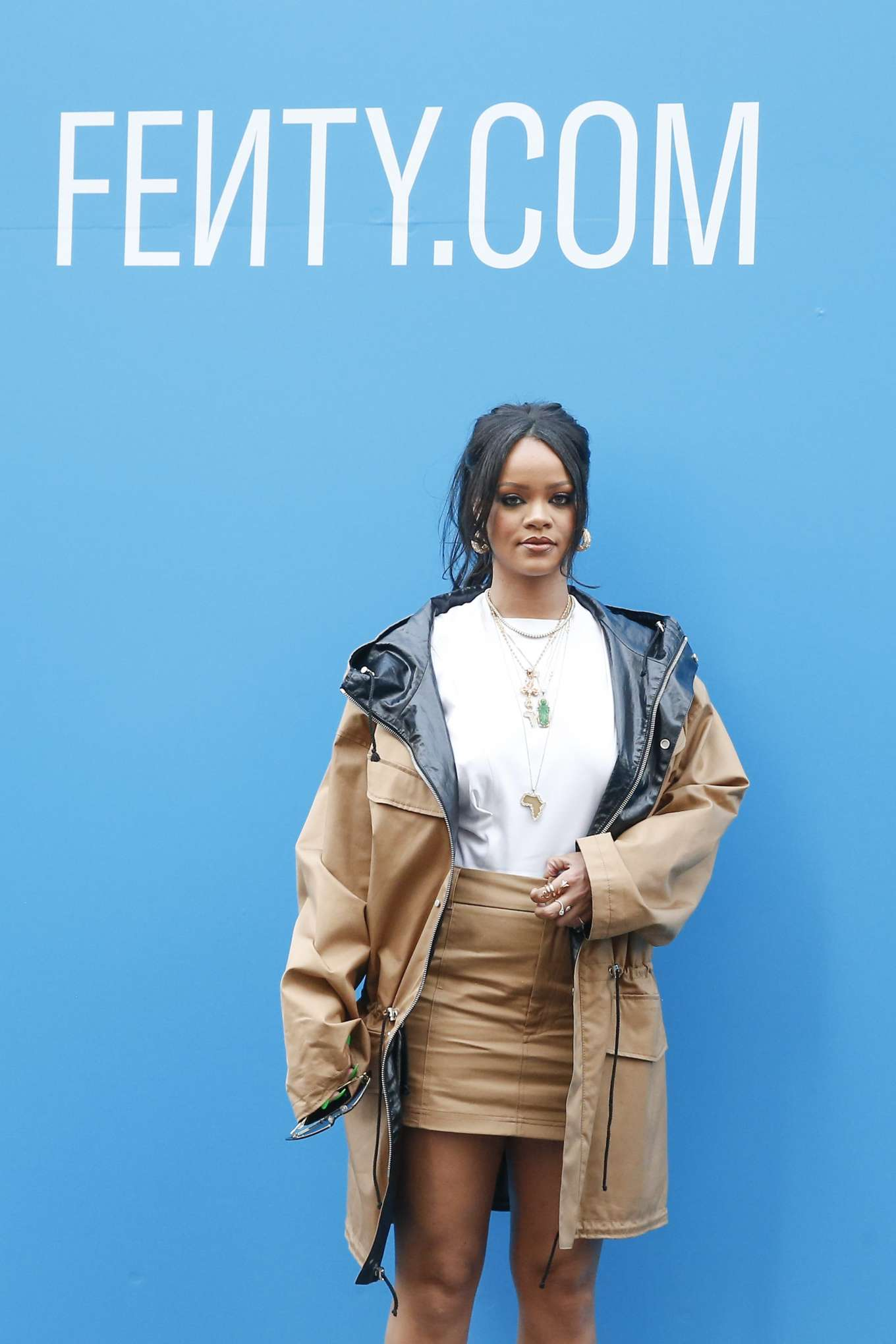 Rihanna 2019 : Rihanna: Fenty Exclusive Preview-04