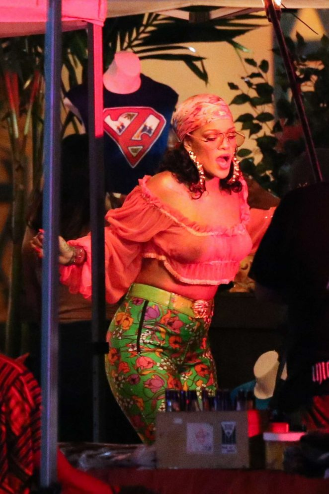 Rihanna – Ffilmed a music video with DJ Khaled in Miami