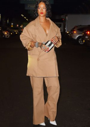 Rihanna - Heading to Chelsea Piers in New York
