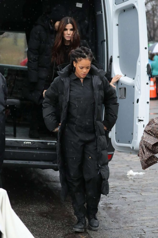 Rihanna in Black Jacket on the set of Oceans Eight -02