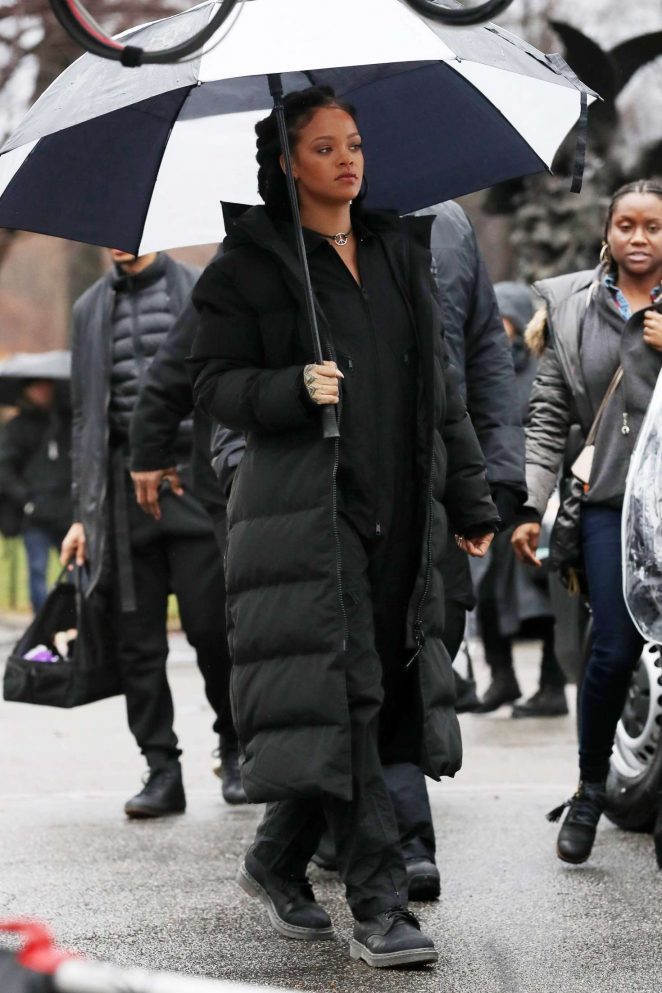 Rihanna in Black Jacket on the set of Oceans Eight -09