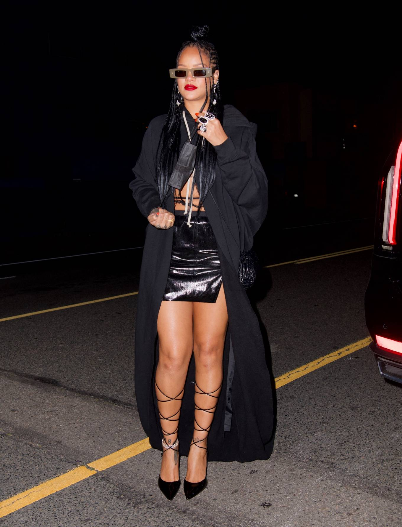Rihanna 2021 : Rihanna – In black skirt heads to dinner at Giorgio Baldi in Los Angeles-06