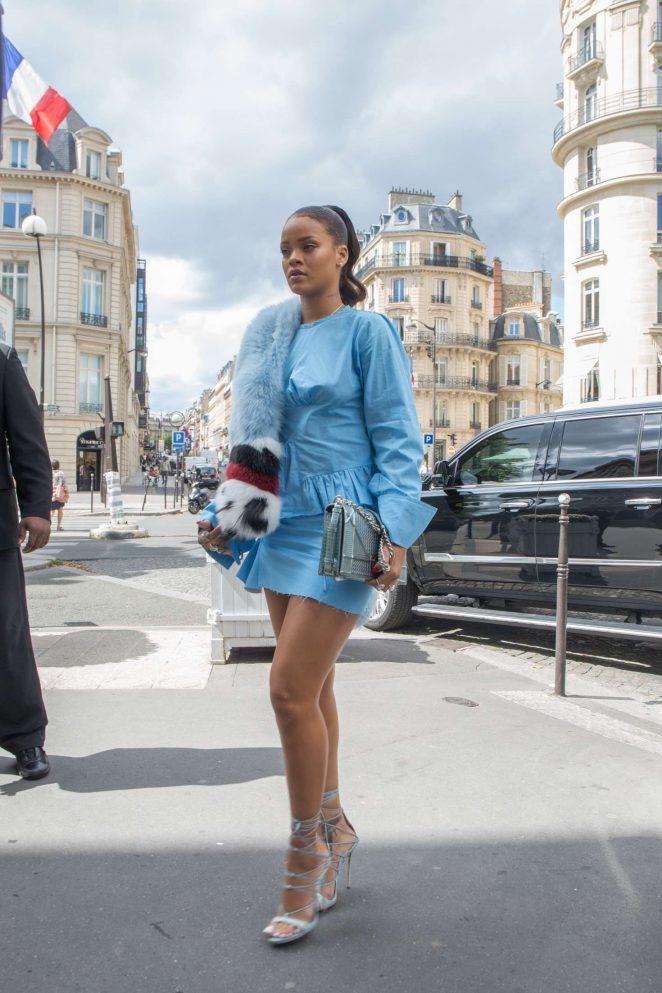 Rihanna 2016 : Rihanna in Blue Mini Dress -06