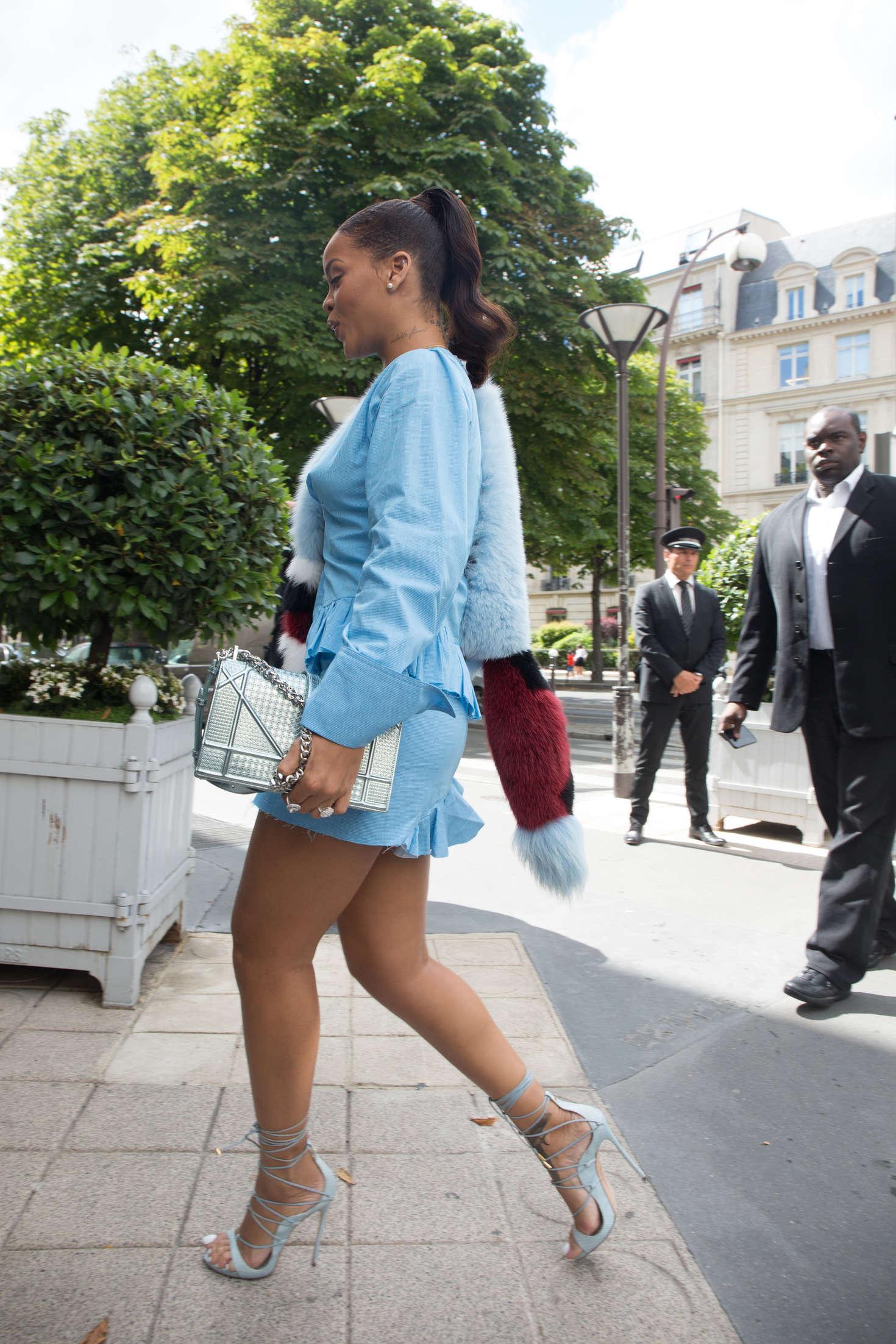 Rihanna 2016 : Rihanna in Blue Mini Dress -22