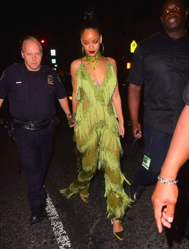 Rihanna 2016 : Rihanna in Green at Up and Down Club -18