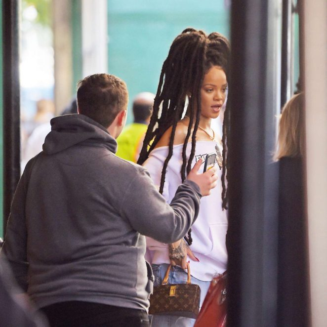 Rihanna in Ripped Jeans in NYC -01