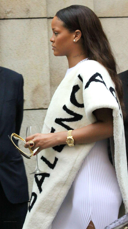 Rihanna 2016 : Rihanna in White Dress -02