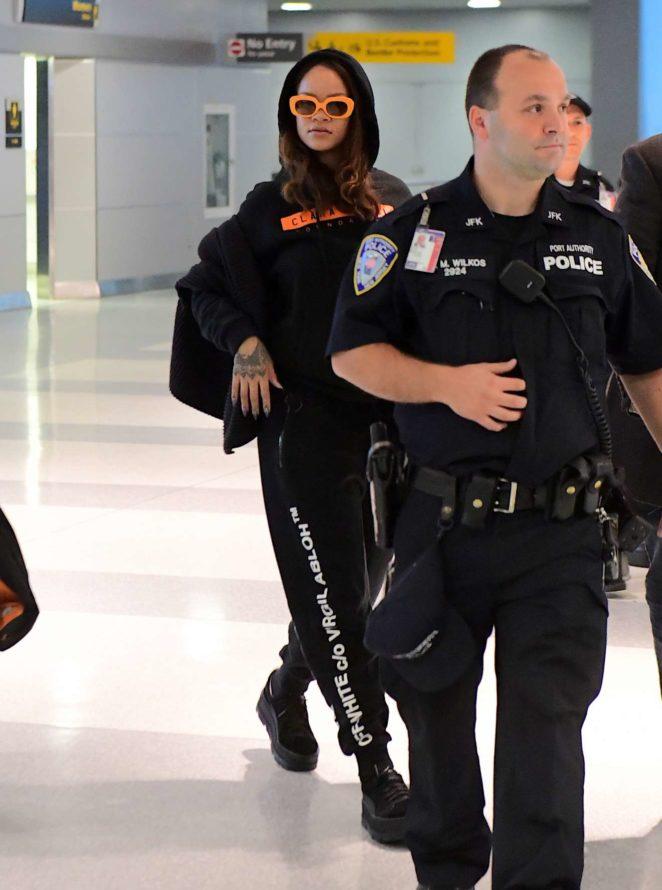 Rihanna - Landing in NYC at JFK airport