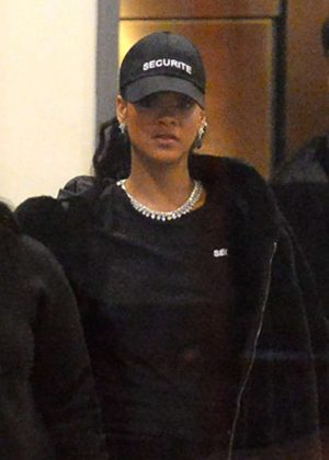 Rihanna Leaves her hotel in New York