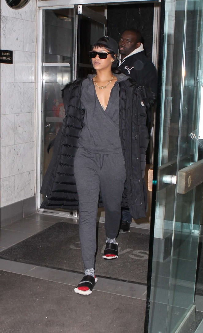 Rihanna - Leaving Dentist in NYC