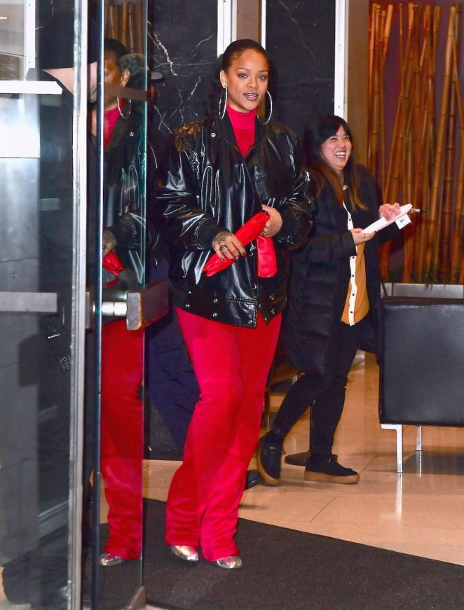 Rihanna - Leaving her dentist's office in New York