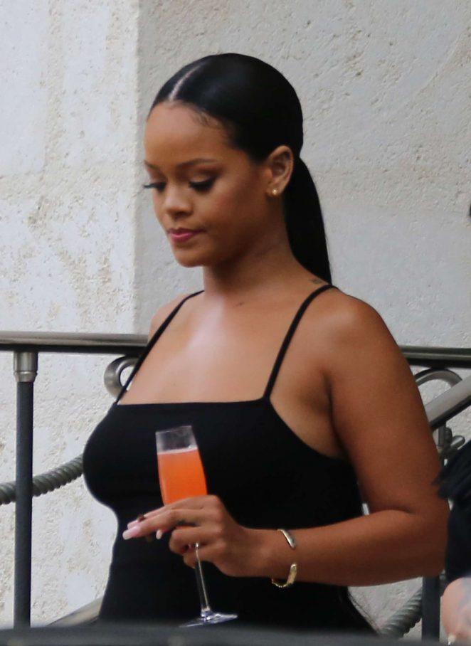 Rihanna - Leaving her villa in Barbados