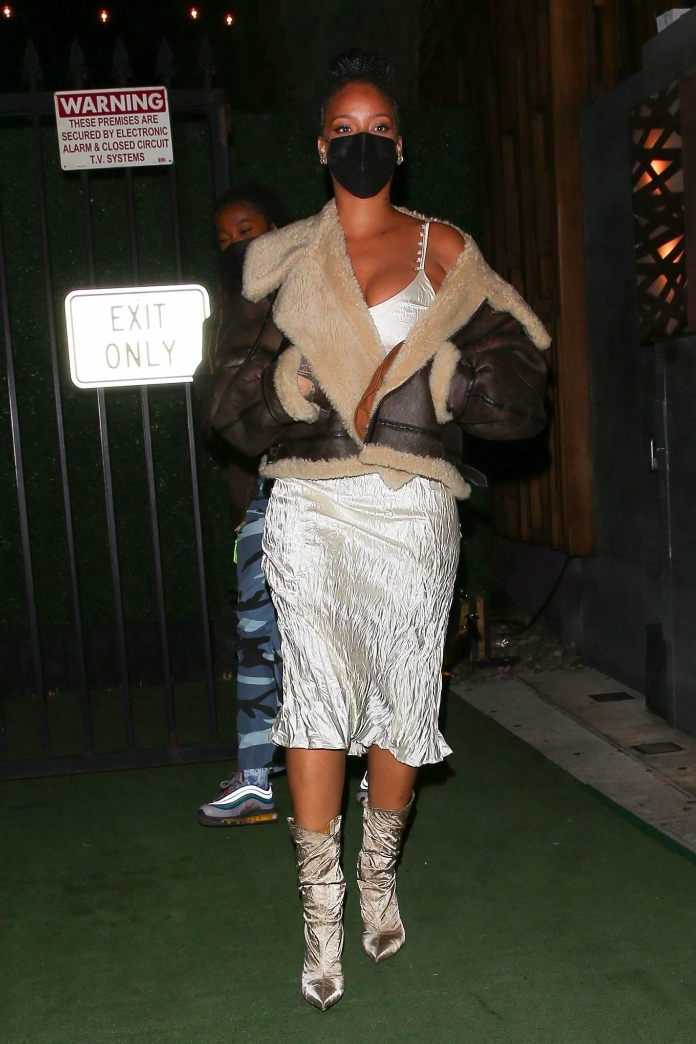 Rihanna 2021 : Rihanna – leaving Nobu restaurant in West Hollywood -08