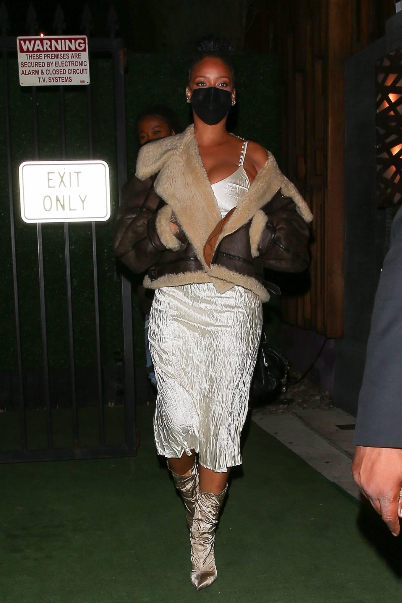 Rihanna 2021 : Rihanna – leaving Nobu restaurant in West Hollywood -12