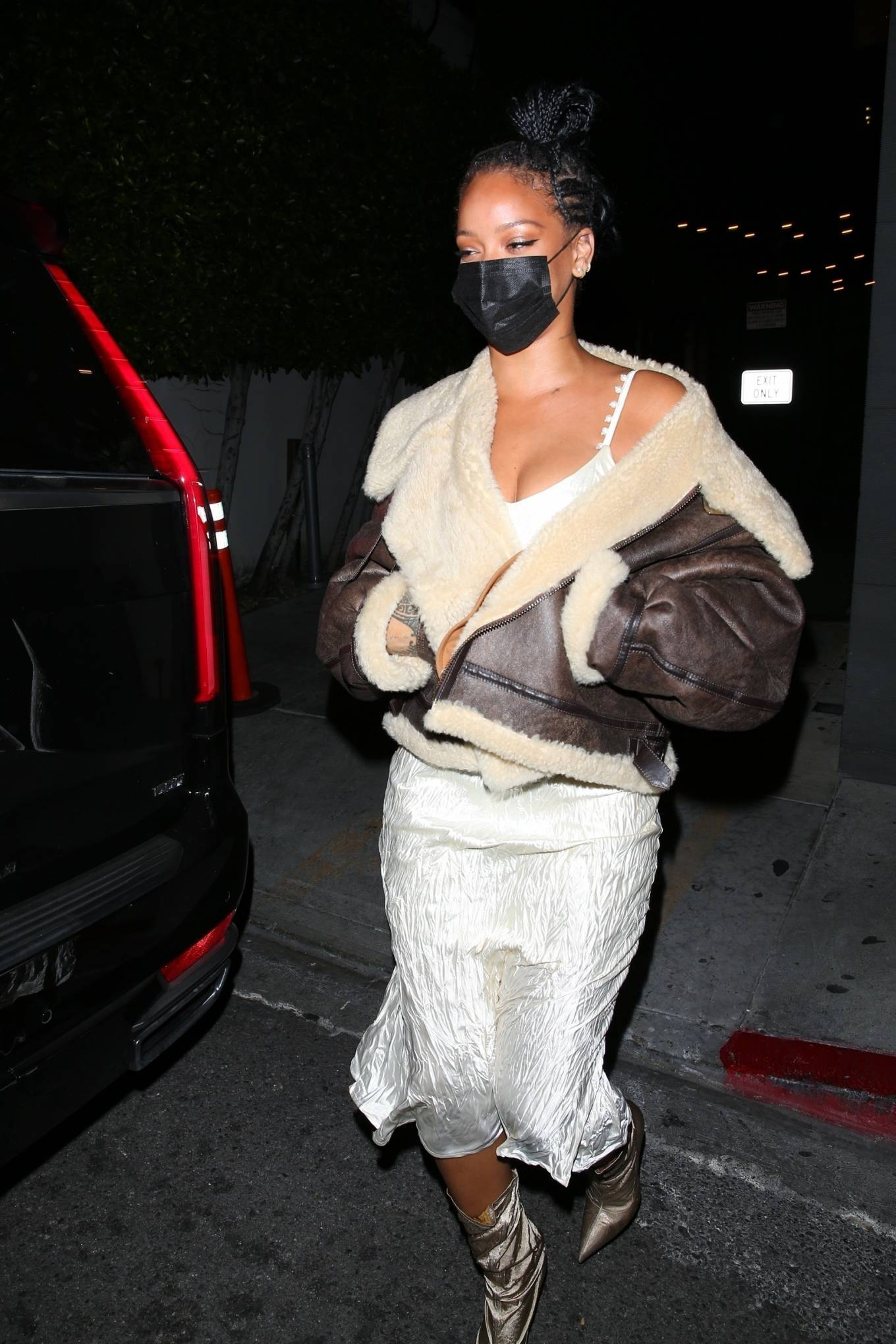Rihanna 2021 : Rihanna – leaving Nobu restaurant in West Hollywood -15