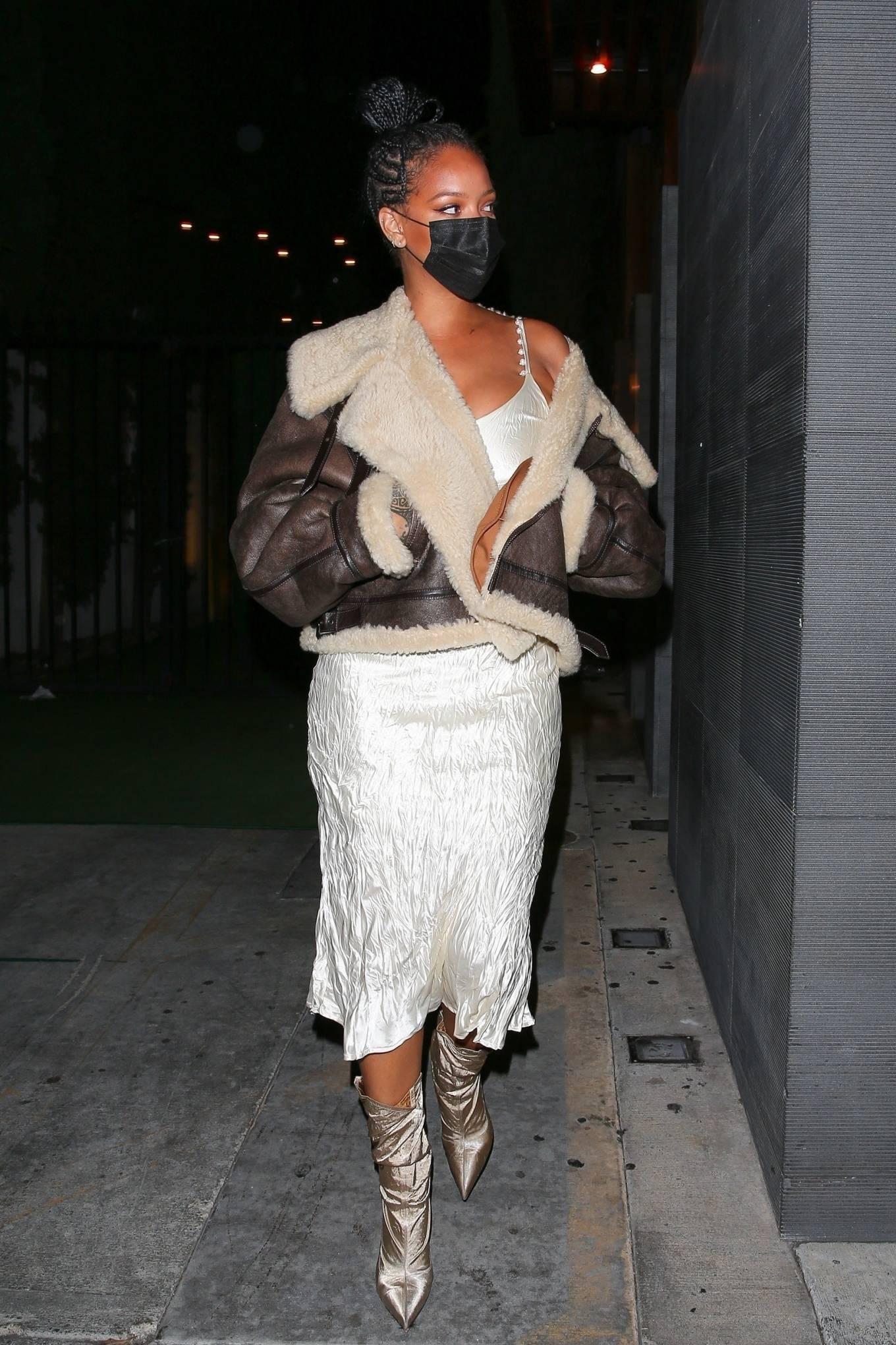Rihanna 2021 : Rihanna – leaving Nobu restaurant in West Hollywood -19
