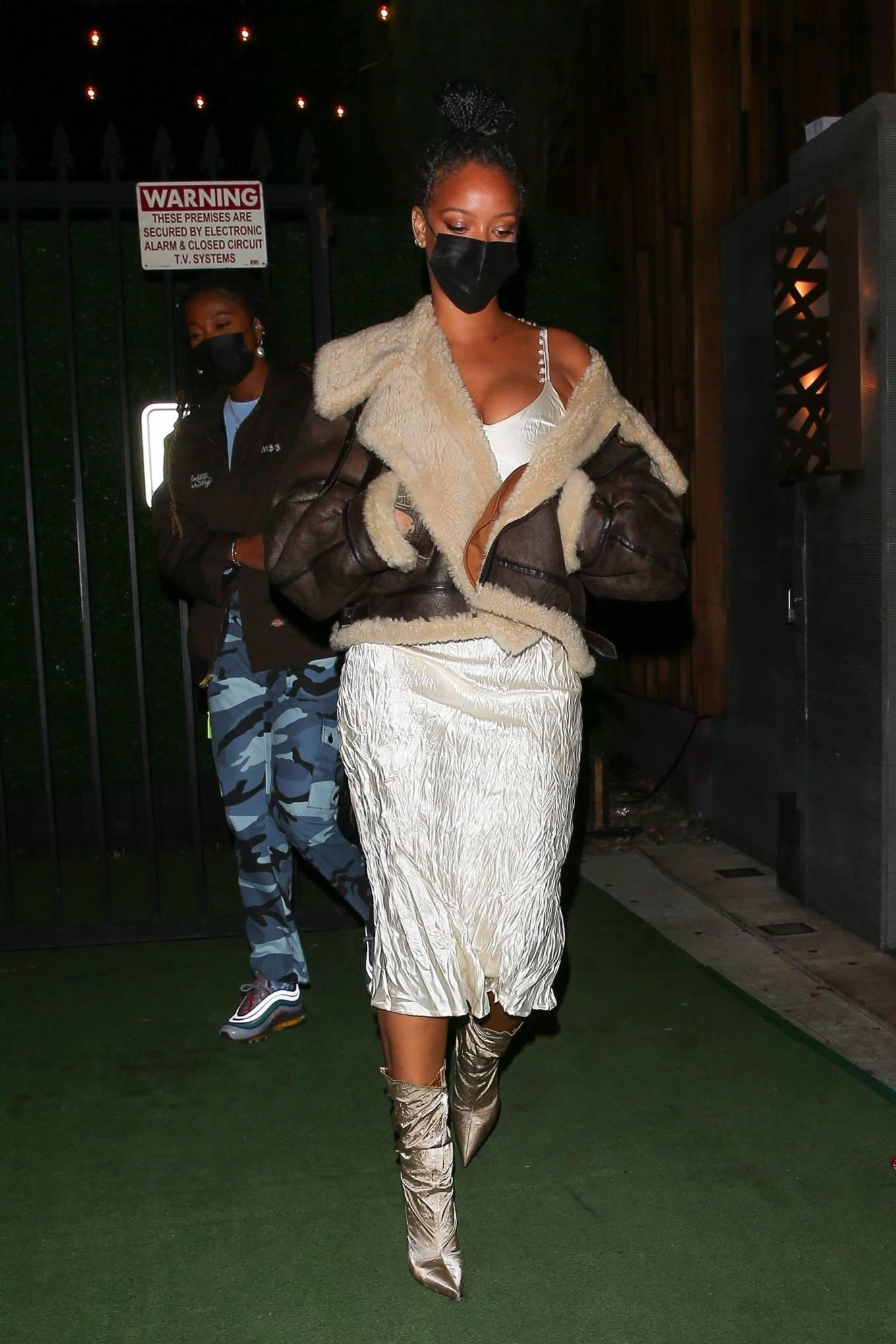 Rihanna 2021 : Rihanna – leaving Nobu restaurant in West Hollywood -21