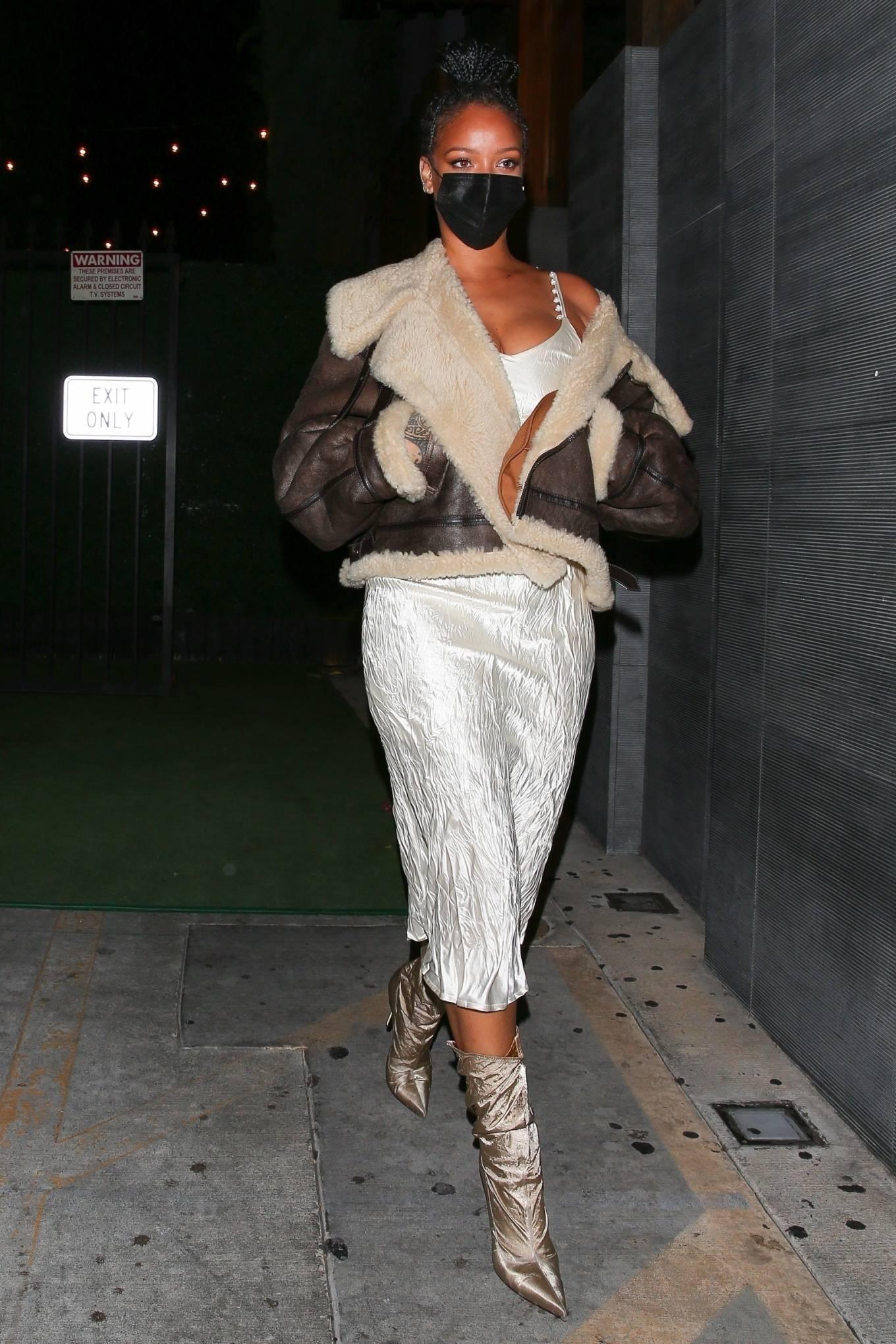 Rihanna 2021 : Rihanna – leaving Nobu restaurant in West Hollywood -22
